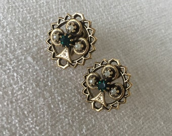 CLEARANCE SECTION Edwardian screw back earrings