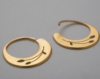 Silver gold-plated hoop earrings. Gold rings. Gold-plated silver rings. Tribal descent. Hoops modern. Exclusivooderno