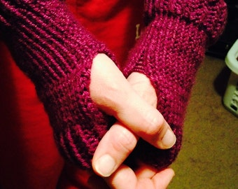 Knit fingerless gloves/hand warmers
