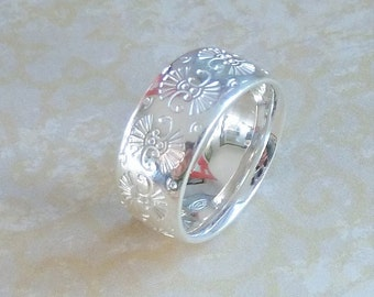 Embossed Pattern Ring