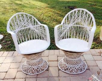Russell Woodard Vintage Swivel Chairs, Woodard Spun Fiberglass, Patio Chairs,  MCM Spun Fiberglass