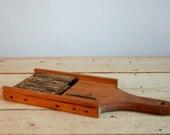 Mandoline antique en bois...