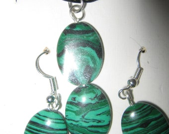 MALACHITE NECKLACE/EARRINGS on leather cord