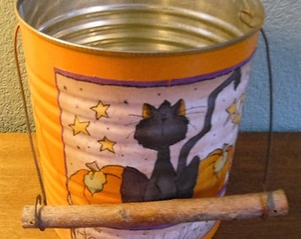 Primitive, vintage, hand made Nappy Halloween treat pail.  Old coffee can, Black cat. Wooden handle