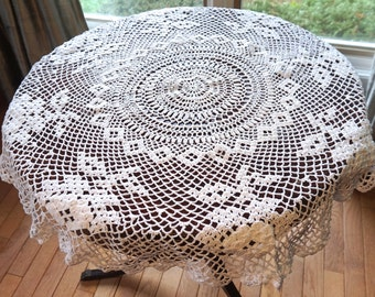 Crochet Tablecloth, Round Tablcloth,Small White Tablecloth, Vintage Crochet Doily or Centerpiece, Cottage Chic Decor, Wedding Linens