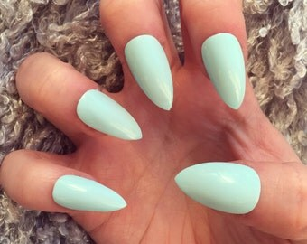 NAILED IT! - Hand painted false nails: Glossy Gel Ice Baby Blue