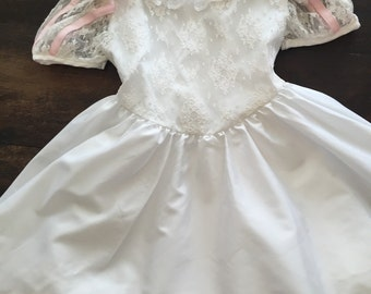 Pretty Isabella White girls 80's dress with pink bows / size 5
