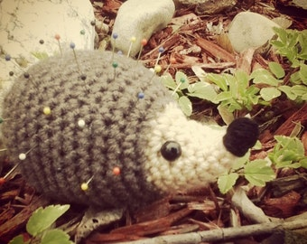 Handmade Hedgehog Pincushion, Stuffed Hedghog Amigurumi, Plush Animal Toy, Porcupine Teddy, Crochet Hedgehog Sonic Toy