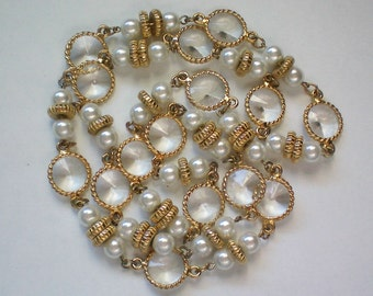 Plastic Caged Crystal Necklace with Faux Pearls = 4417