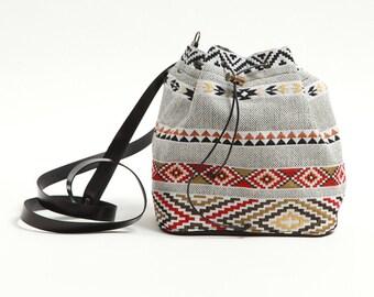 Small bucket bag with tribal pattern,fabric bag,upholstery bucket bag,ethnic,synthetic leather,boho bag,red and black,Navajo,bohemian bag
