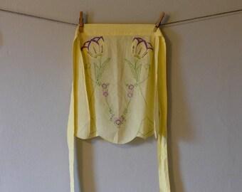 Vintage Yellow Tulip Waist Apron // Embroidered Apron