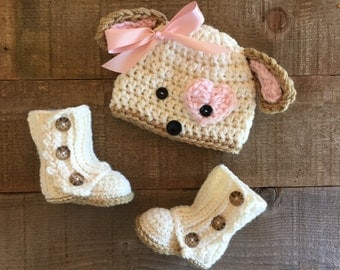 Crocheted boots and puppy hat set, baby gift, wrap boots, baby beanie, baby accessory, lauette, baby boots
