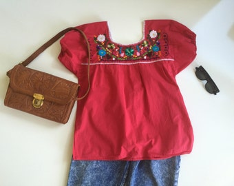 Vintage Mexican Embroidered Blouse Peasant Top Oaxaca Mexico Eighties Ladies Top Sz Medium Red