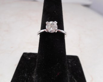 Vintage Avon Sterling Silver Ring With CZ Stone Size 7