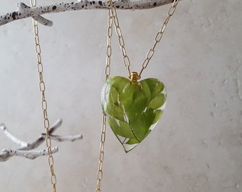 """Sheer green maidenhair fern in a large resin heart on 30"""" goldtone chain with 3"""" extender. For gardener, nature lover, or Literature major"""