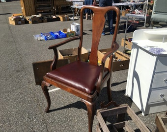 Queen Anne style carver chair/ Dining chair