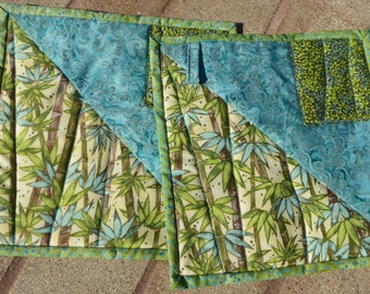 Bright tropical hot pads 9 x 9 in size - who says hot pads have to be boring and basic?