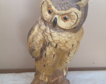 Vintage Ceramic Owl Sculptre/ Paper Weight/ Retro