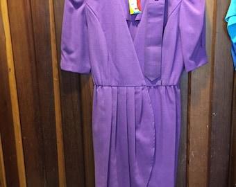 1980S // DONNA MORGAN // Non Stop Petites Puffy Shoulder Purple Dress