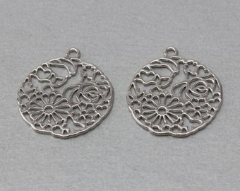 Flower Pewter Pendant . Polished Original Rhodium Plated . 10 Pieces / C5001S-010