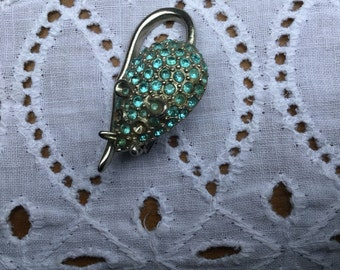 Cute vintage rhinestone mouse pin