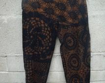 Vesna Design capri cropped pixie leggings with psychedelic floral patterns & tie dye effect/ Psytrance steampunk boho punk festival clothing