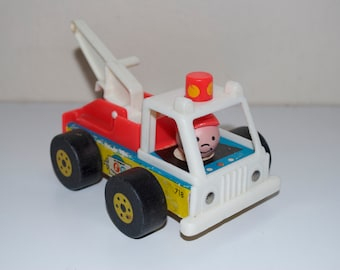 Fisher Price Little People Play Family Tow Truck 1968 # 718 Vintage