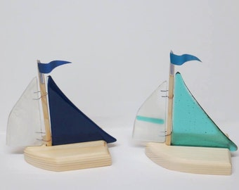 Sail boats with mast