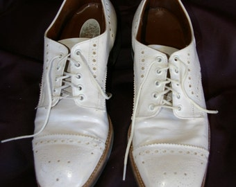 Vintage Men's White Wing Tip Shoes, 1970's