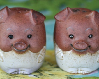 Vintage GEMPO Ceramic Pig  Salt and Pepper Shakers