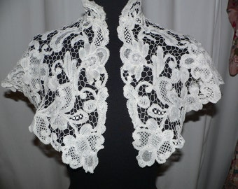 Antique Honiton Lace  Collar  Capelet