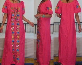 ETHNIC VINTAGE 1970's shocking pink mexican embroidered short puff sleeves hippie boho peasant maxi dress