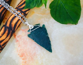 Moss Agate Arrowhead,  Arrowhead Pendant,Gemstone Necklace,Raw Crystals Jewelry,Quartz Necklace,Wire Wrapped Quartz, Arrowhead Necklace.