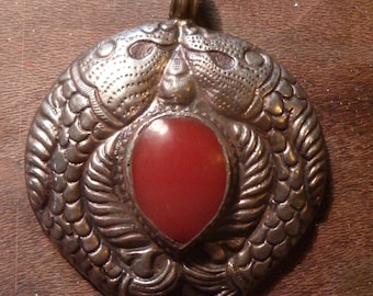 Rare pendant tribal with fishes nepali style