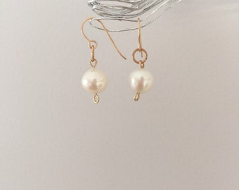 Natural pearl 14K gold earrings