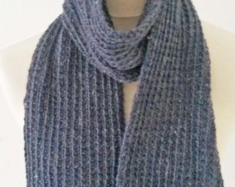Hand-knitted scarf with Merino Wool and linen