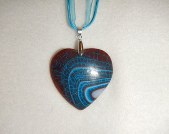 Heart-shaped Dark Brown/Turquoise Striped Dragon Veins Agate pendant (JO498)