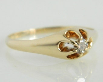 Beautiful Vintage 14K Gold Diamond Ring