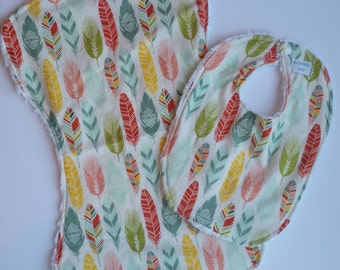 Bib and Burp Cloth Set / Bib / Burp Cloth / ready to ship / Feathers / Girl gift set / Baby Girl
