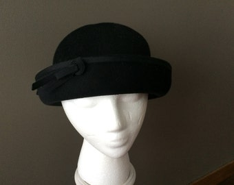 "Signed Henry Pollack 1960's black wool felt ""boater"" from The Paris Boutique"