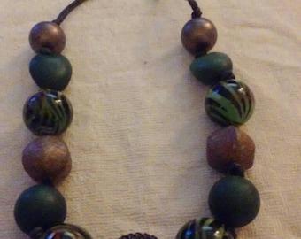 Beautiful multicolor pearl necklace.vintage.