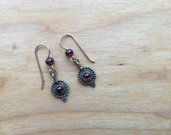 Round Garnet Earrings -- 264