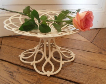 A French vintage openwork cast iron cake stand