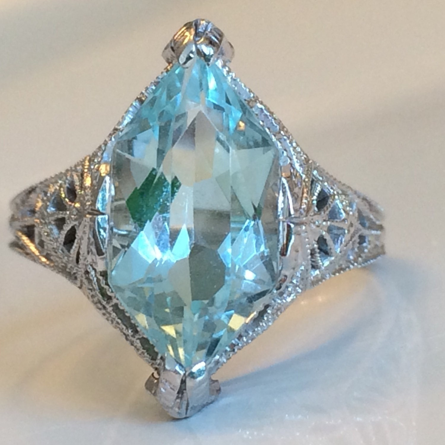 antique deco aquamarine ring in 14k white gold