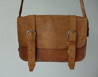 Excellent condition light brown vintage genuine supple leather messenger bag satchel cross-body bag