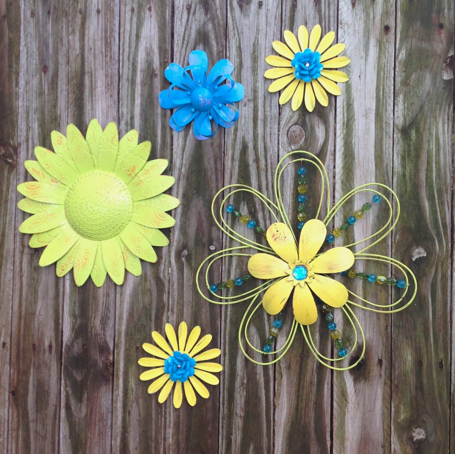 5 lime blue yellow metal fence wall flowers metal yard. Black Bedroom Furniture Sets. Home Design Ideas