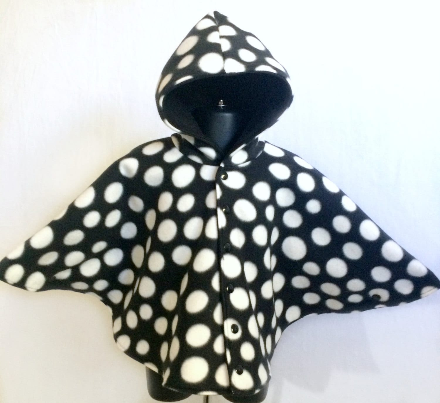 polka dot car seat poncho infant car seat poncho baby car. Black Bedroom Furniture Sets. Home Design Ideas