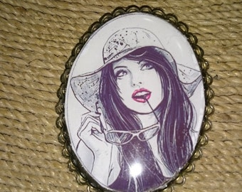 """Pin Mother's Day or ceremonial frenchjewelryvintage """"Justine and hat holding her sunglasses"""""""
