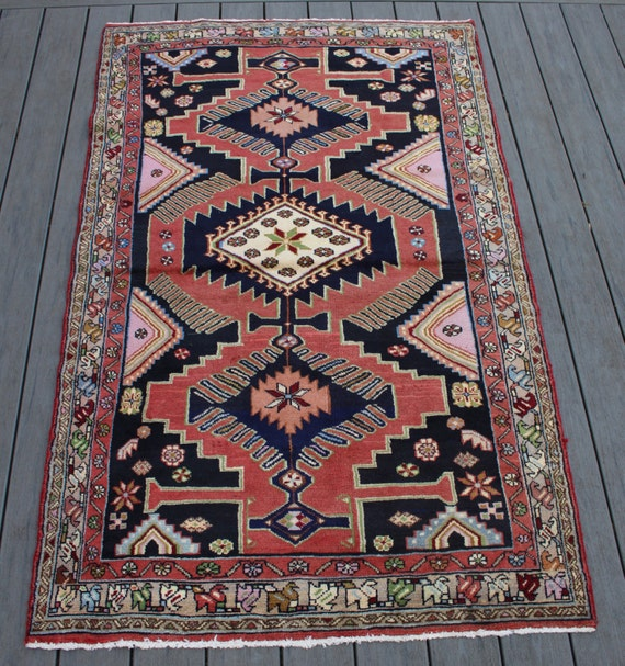 Breathtaking Large Geometric Red 10x12 Bakhtiari Persian: 3'9x6'1 Semi-antique Persian Hamadan Rug