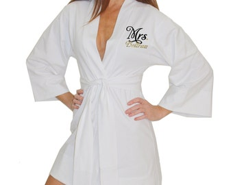Personalized Mrs. Robe, Bridal Robe, bride robe, Customized Bride Robe, just married robe, honeymoon robe, bridal shower gifts, bridal gifts